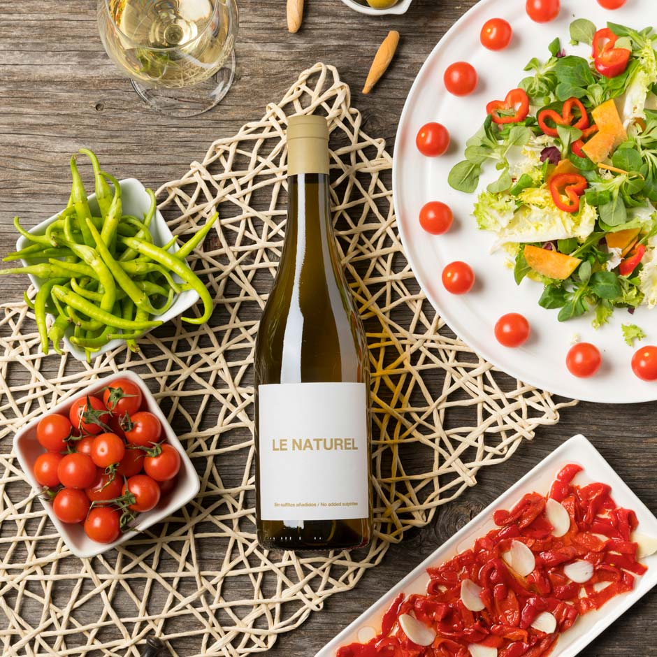 Fotografia botella de vino blanco maridage