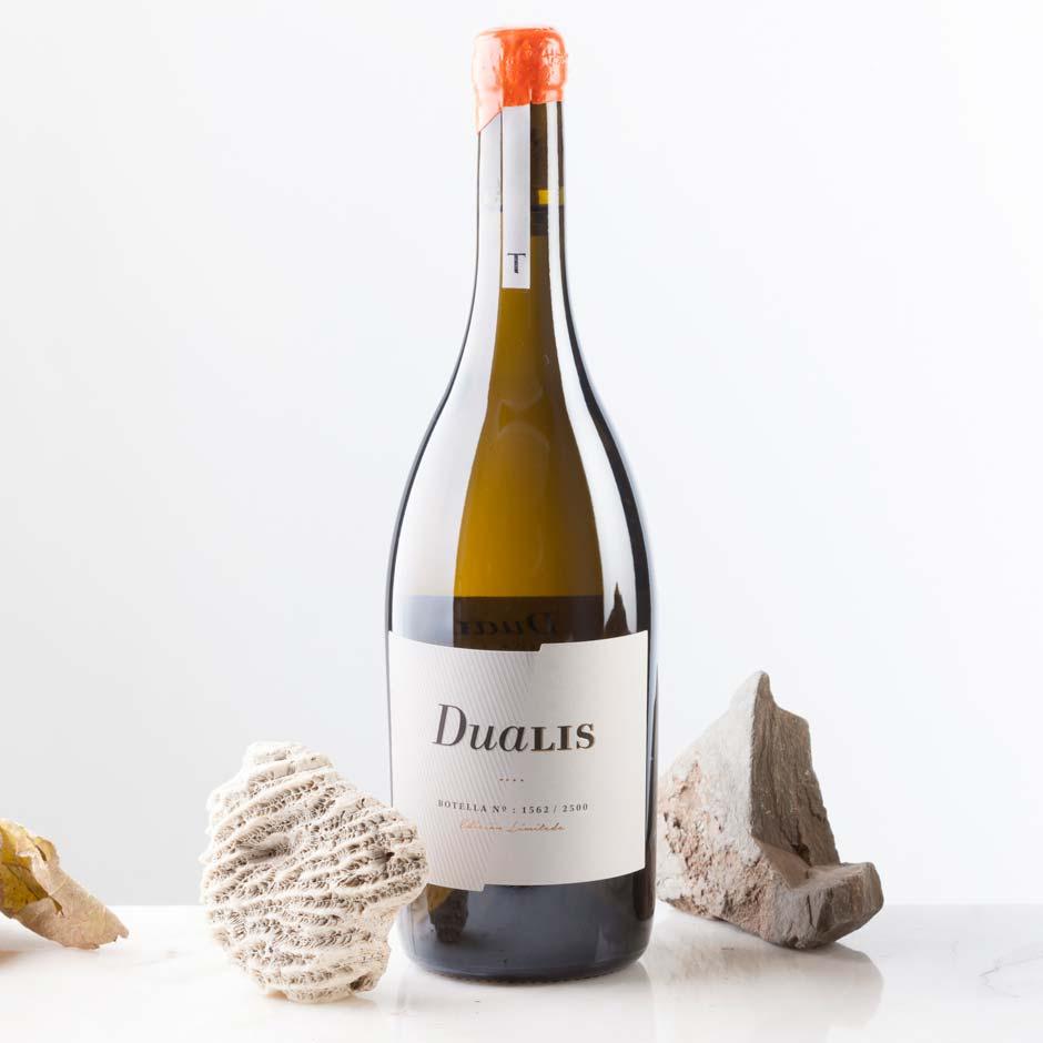Foto creativa del vino diseñado por Dispar, Dualis